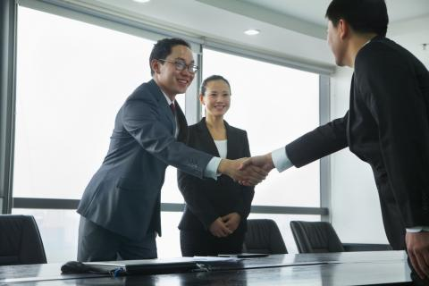 10 ways to impress a prospective employer in less than five minutes